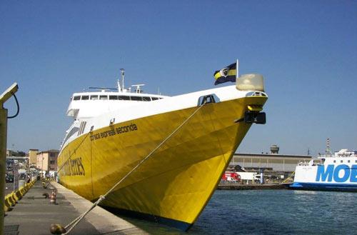 Traghetto veloce per Isola Elba Corsica Ferries