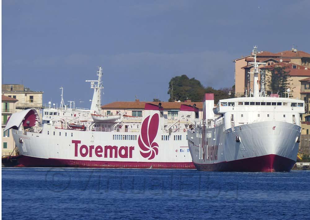 Elba Traghetto Oglasa e Marmorica Portoferraio Compagnia Toremar