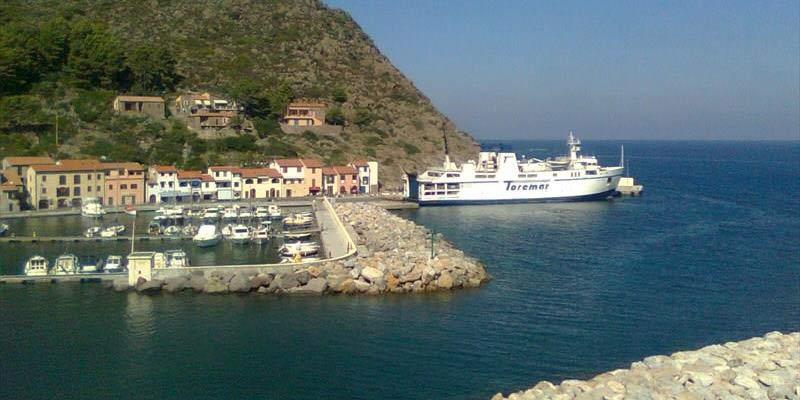 Elba Traghetto Capraia Toremar Liburna